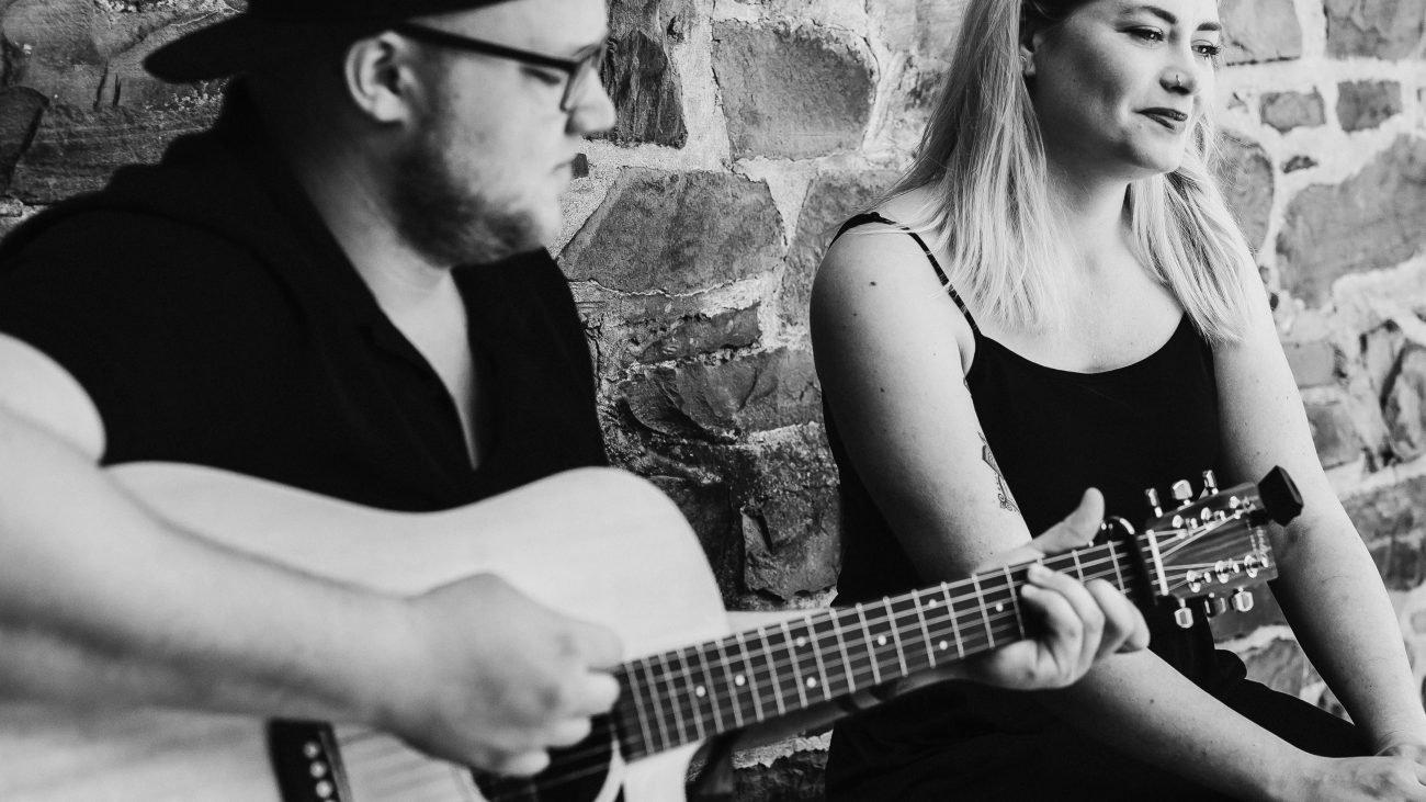 Bild Melina Fuhrmann & Nando Andreas - Gesang & Gitarre